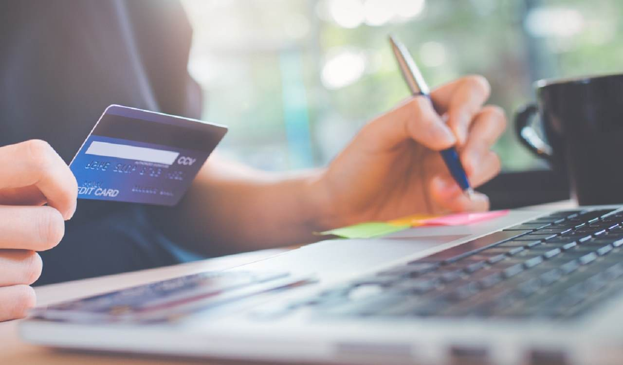 6 Ways to Boost Your ECommerce Revenues